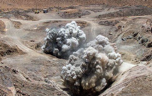 اولین انفجار در معدن مس تکنار بعد از یکسال توقف